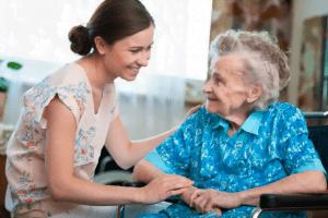 cuidadora e idosa