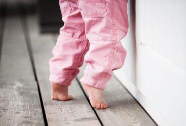 Fique atento se seu filho anda na ponta dos pés