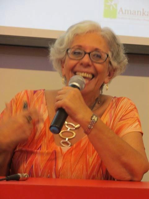 Marta Gil é a mediadora das rodas de conversa