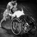 Cia CircoDança se apresenta no palco