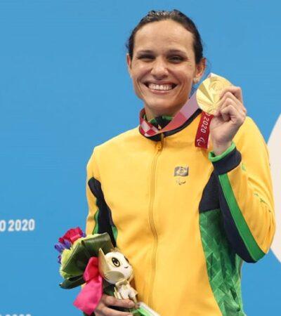 Carol Santiago celebra sua segunda medalha de ouro nos Jogos Paralímpicos de Tóquio