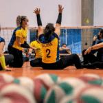 Atletas do vôlei sentado treinam no CT Paralímpico