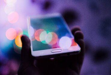 Aplicativo usa inteligência artificial para vibrar o aparelho celular no ritmo dos sons