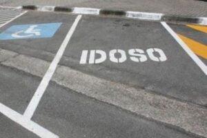 campanha trata do uso de vagas especiais de estacionamento em Santos