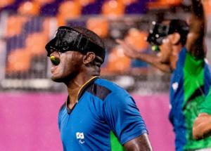 Jefinho comemora após gol contra de Marrocos