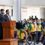 Presidente Mizael Conrado discursa diante dos atletas paralímpicos em cerimônia no Palácio do Planalto